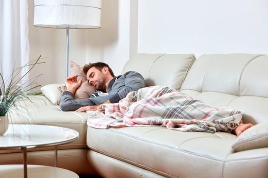 Blog-Muebles-Fiesta-cinco-beneficios-de-tener-un-sofa-cama-en-casa