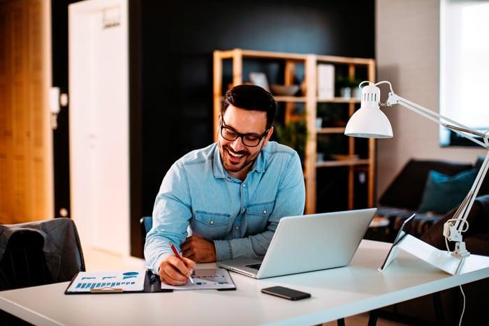 Blog-muebles-fiesta-Consejos-para-trabajar-en-casa-con-estilo-1